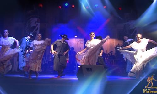 Esibizione del gruppo folk dell'Argentina al folk festival di San Giuliano del Sannio
